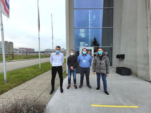 Visite et premiers essais au laboratoire central du groupe CEMEX en suisse en vue du développement d'un système constructif de maison hybride bois/béton fibré par l'entreprise Silians.